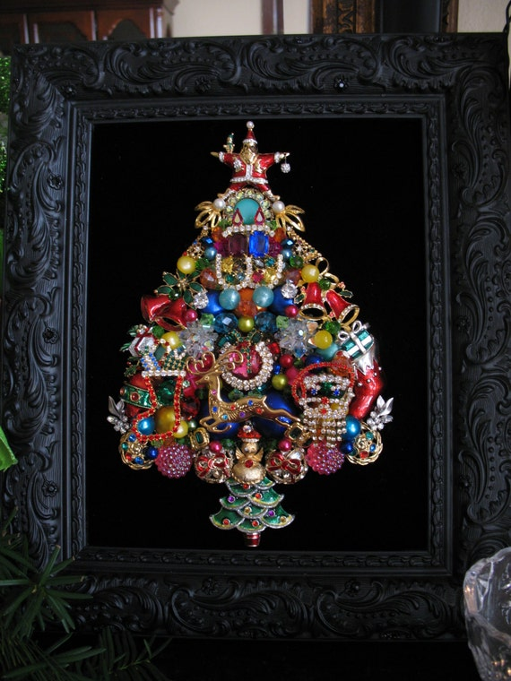 Framed Vintage Jewelry Christmas Tree Colorful 1970s Santa
