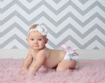White and Light Pink Lace Petti Bloomer Set with Matching Headband - Cake Smash Outfit - First Birthday - Photography Prop