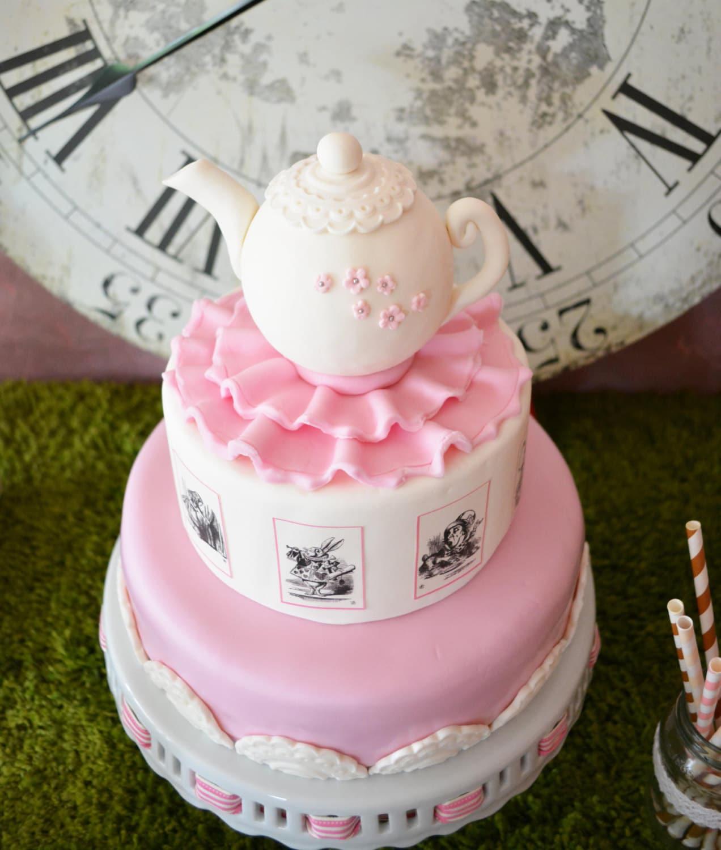 Alice in WonderlandTeapot Fondant Cake TopperCake by Bernelo