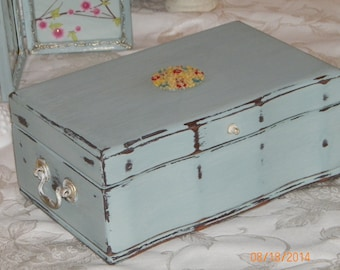 Earring storage chest mod