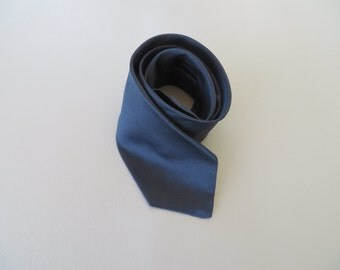 Vintage 1960's Men's Neck Tie Classic Blue Satin