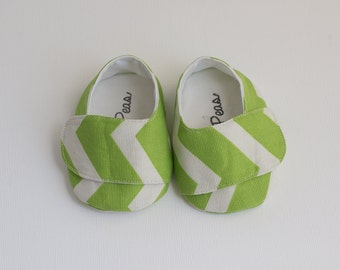 Baby Shoes Baby Boy Shoes Toddler Boy Shoes Soft Sole Shoes Spring Shoes Summer Shoes Chevron Shoes Green Chevron and White Shoes