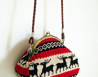 Christmas Deer Winter  Vintage style Metal frame purse/coin purse / handbag /Pouch/clutch/tote bag/ Kiss lock frame bag
