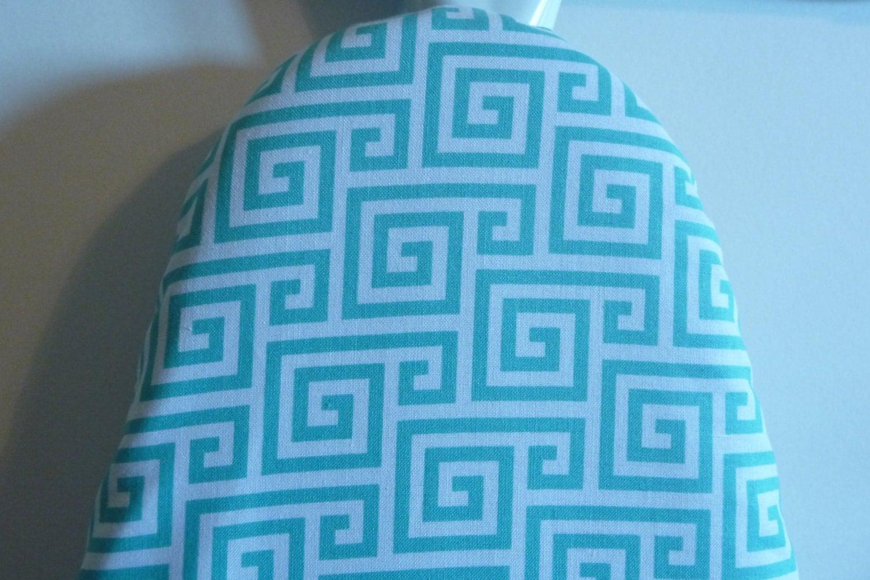Soldes housse de planche repasser g om trique turquoise for Housse de planche a repasser