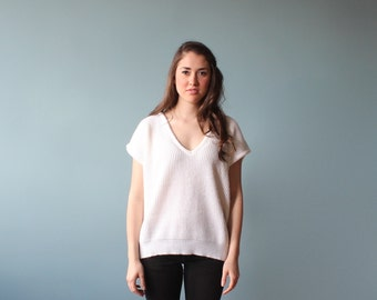 white knit jumper / short sleeve v neck sweater top / 1980s/ small - medium