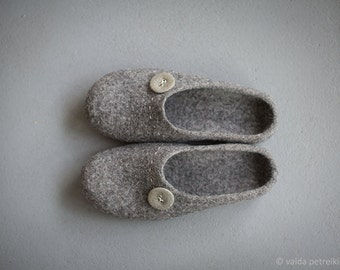 Husband gift- Gray slippers - Men shoes for home - Organic wool house shoes - Warm woolen clogs - Grandfather gift -