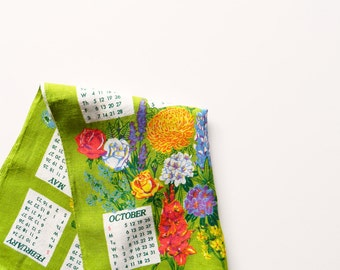 Bright Floral Vintage Calendar Towel / Linen Garden Flower Calendar 1980 / Vintage Spring Floral Kitchen Towel