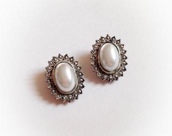 Vintage Faux Pearl Oval Earrings Clip On