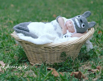 Crochet Newborn Tototo Hat and Cocoon Set (Newborn - Made-to-order)