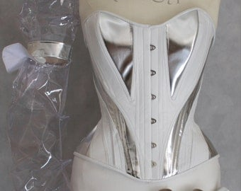 23 inches waist size Handmade overbust fashion Sylphe corset + sleeve +skirt with plastic silver detail on leather and leds details