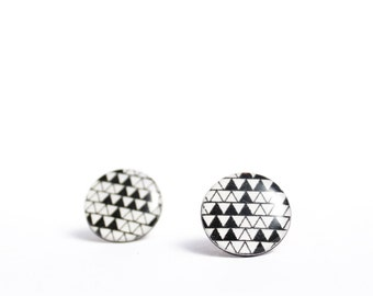 geometric stud earrings black and white post earrings modern jewelry vinyl record triangle ear posts disc studs recycled jewelry