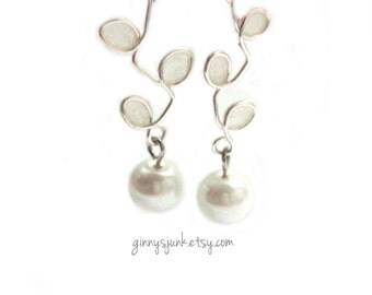 Handmade Bridal Earrings - Wire and White Paper with Pearl  - OOAK earrings - Bridal - Gifts for the Bride