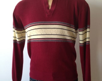 Vintage MENS Hi Gear burgundy chest stripe polo style sweater