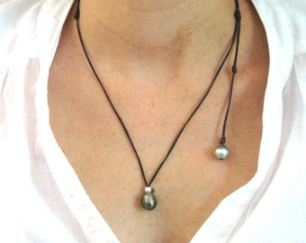 Tahitian pearls necklace for women, black pearl on Leather