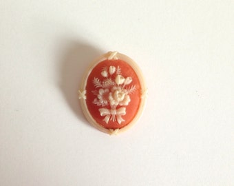 AVON Vintage Flower Brooch/Pin