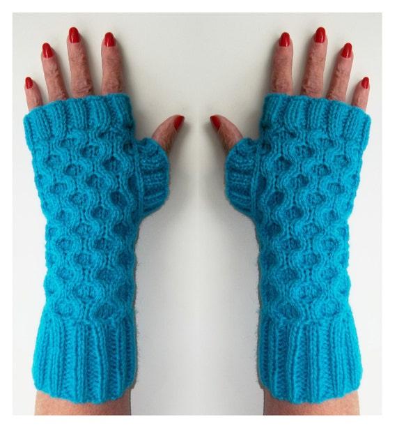Wrist Warmers Fingerless Gloves. Knitting Pattern. PDF
