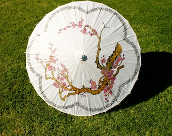 Paper Parasol. Paper Umbrella. Vintage. Pink Cherry Blossoms. Accent Scalloped Trim.