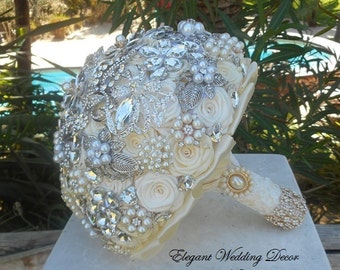 CUSTOM BROOCH BOUQUET- Elegant Vintage Ivory Brooch Bouquet, Brooch Bouquet, Broche Bouquet, Broach Bouquet, Bouquet, Ivory Bouquet, Vintage