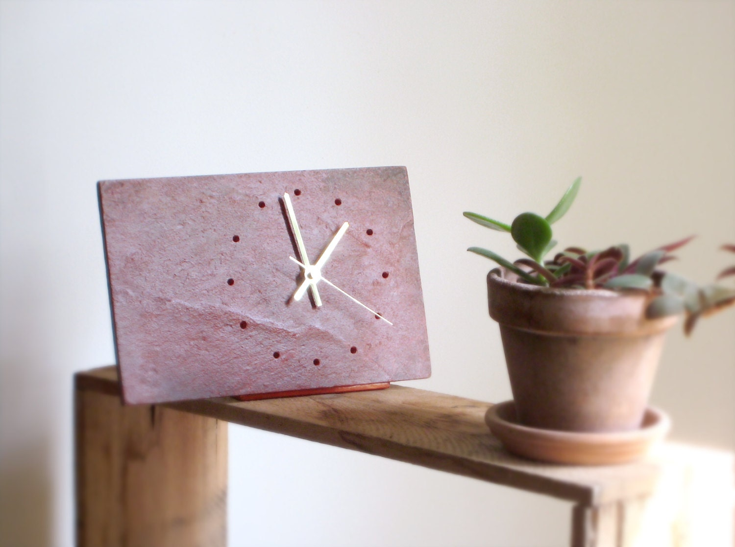Minimalist red slate clock tabletop red salvaged slate for Minimalist gifts for housewarming