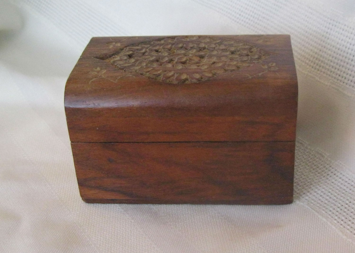 Small hand carved wooden ring box by oldetymefinds on etsy for How to carve a wooden ring