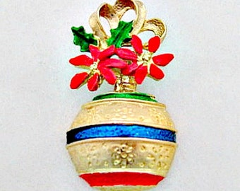 Vintage Holiday Jewelry - Vintage Christmas Ornament Brooch Pin