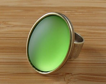 Green Lucite Ring. Green Cabochon Ring. Antiqued Brass Adjustable Ring