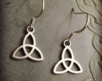 Celtic TRIQUETRA Earrings Silver Tone dangle earrings