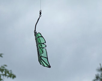 Recycled Green Glass Elm Leaf, Unique Home Decor, Reclaimed Glass Bottle Leaf - Woman Labyrinth - Man Cave