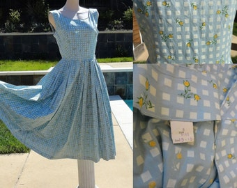 Vintage Baby Blue Windowpane with Tiny Yellow Roses Print Full Skirt Dress B38