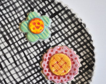 Little Plate- Trinket Dish- Ring Dish- Multipurpose Flower Plate- Black Plaid with Two Colorful Flowers