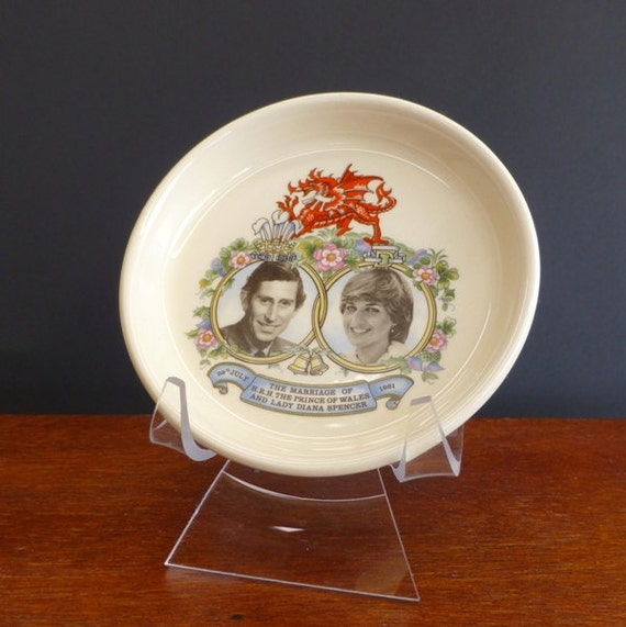 Vintage Charles and Diana Marriage Souvenir Pin by eclecticmoi