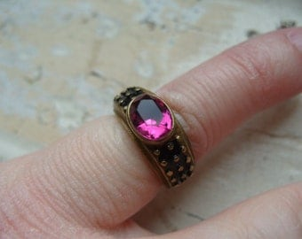 FREE SHIPPING Vintage Brass Ring with Pink Rhinestone Accent - Size 5