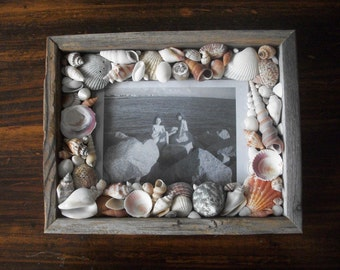 Reclaimed Wood Seashell Encrusted Picture Frame / Coastal Cottage Shell Beach Photo Home Decor