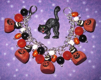 Black Cat Charm Bracelet Halloween Cat & Pumpkin Jewelry Retro Vintage Style Statement Piece Cute Fun Halloween Accessory Adult Teen Tween