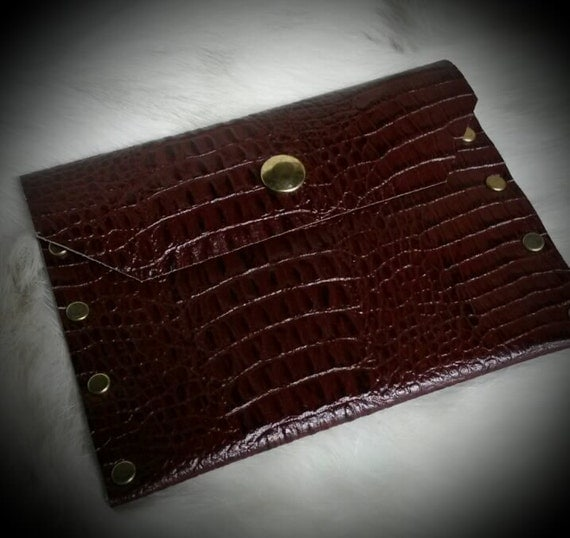 Brown Leather Passport Wallet Alligator Embossed Cowhide With