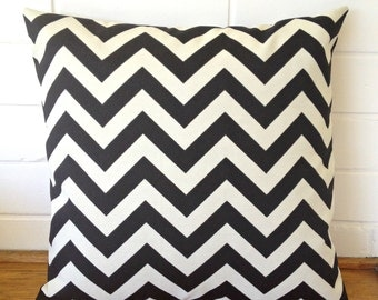 Black and Ivory / Cream Chevron Zig Zag Geometric Outdoor Cushion Cover