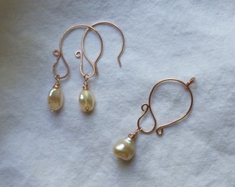 cultured ivory baroque pearl rose gold filled earrings and pendant.