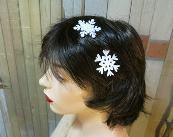 Snowflakes hair pins Winter bobby pins Snowflake hair jewelry Winter Gift set 2 Glittery bobby pins hair accessory Winter sparkle eco felt
