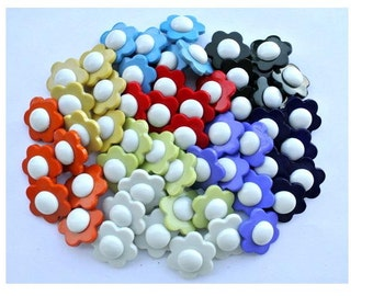 54 flower buttons, plastic ,new, vintage style, 9 colors 20mm