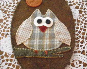 OWL - Oval shaped Penny Rug / Candle Mat