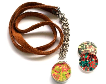 Unique Glass Locket Necklace, Magnetic, 3 Necklaces in 1, Flower Art Designs, Gift for Her, Mixed Leather Chain, Holds a Picture, Polarity