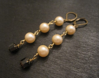 SALE Vintage cream costume pearl and black glass earrings Bow Peep