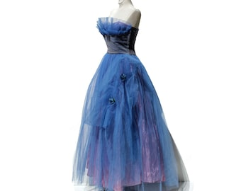 Vintage Darkening Sky Blue Tulle Evening Gown / Party dress