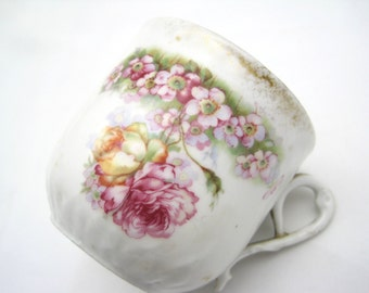 Antique Shabby Tea Cup - Pink Roses
