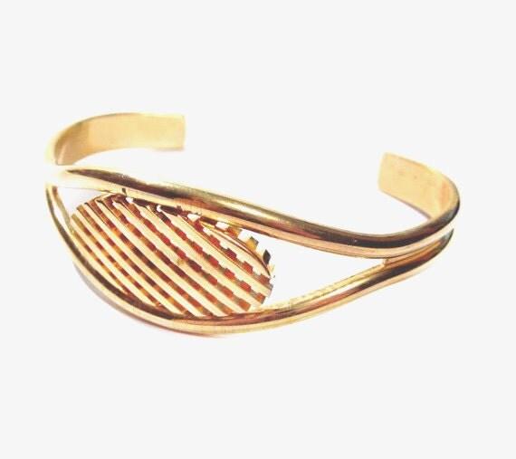 Vintage Waffle Cuff Bracelet, Mod / Gold Metal