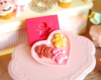 1/12 scale cookie collection2 (Gingerbread man shaped) Mold/Mould for Resin, Polymer clay & Air dry Clay 1 cm x 0,9 cm x 0,3 cm thickness