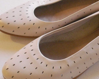 vintage DEXTER perforated taupe leather mini wedge skimmer flats 7 - 8