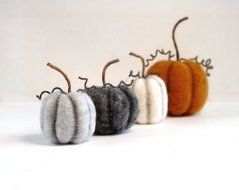 Rustic Fall Autumn Pumpkin Decor Set of 4 - Thanksgiving Table Decor Felted Miniatures Halloween Decoration Made To Order