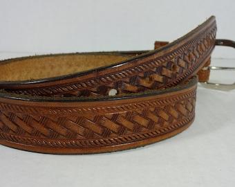 Vintage Tooled Leather Belt..Vintage Western Tooled Leather Belt..Vintage Western Belt