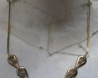 Shabby Gold Necklace Vintage